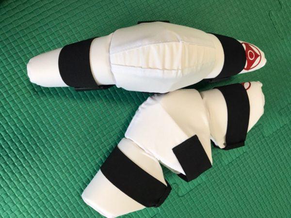 Магазин экипировки для карате karatestore.ru наколенники купить